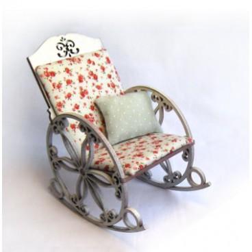 Кресло-качалка для кукол высотой до 20 см.